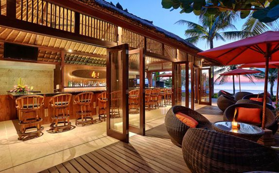 Bar di Legian Beach Hotel