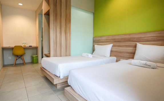 guest room twin bed di Le Green Suite Supomo