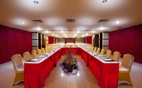 Meeting room di Lion Hotel & Plaza