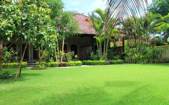 Taman di Man's Cottages and Spa