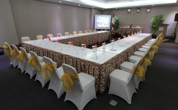 meeting room di Maqna Hotel by Prasanthi