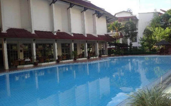 Swimming pool di Marante Hotel Toraja