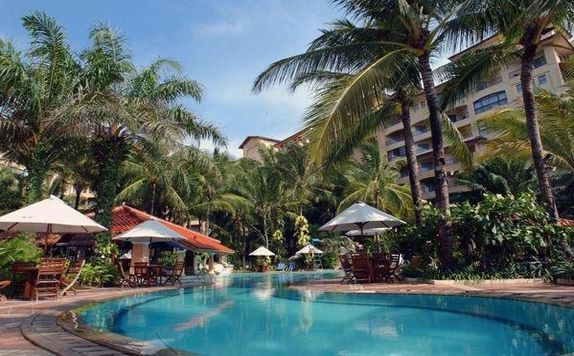 Swimming Pool di Marbella Hotel, Convention & Spa Anyer