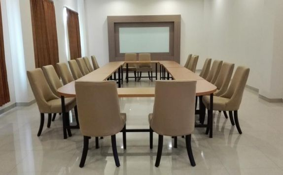 Meeting Room Hotel di Midtown Xpress Sampit
