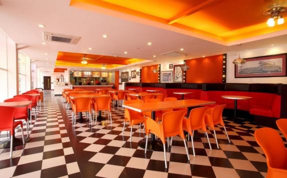 Restaurant di Mikie Holiday Resort & Hotel