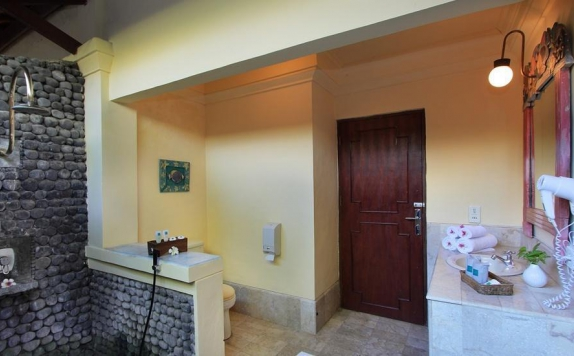 Tampilan Bathroom Hotel di Mimpi Resort Tulamben