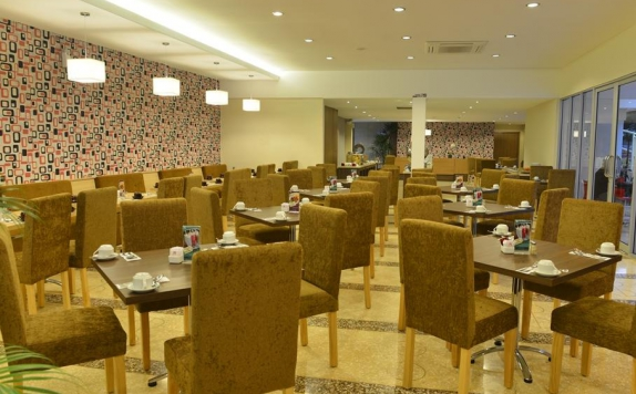 Restaurant di The Naripan Hotel