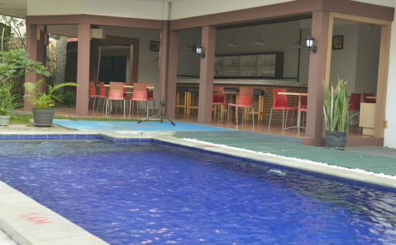 Swimming Pool di The Naripan Hotel