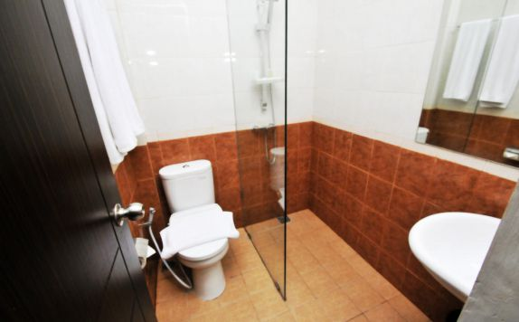 bathroom di Next Tuban Bali