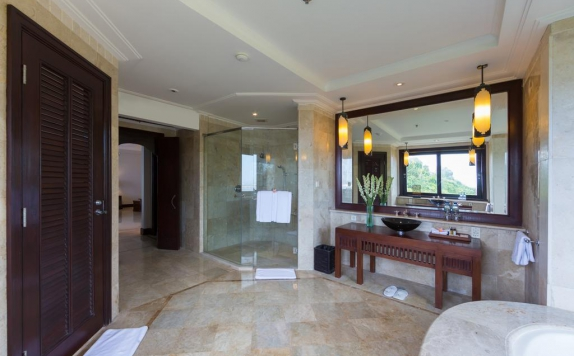 bathroom di Nirwana Villa Estate