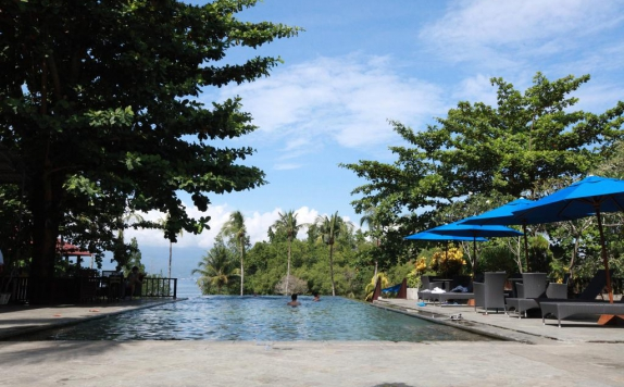 Swimming Pool di Nusantara Diving Center Resort & Spa