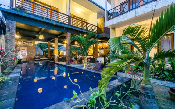 Swimming Pool di Nyuh Gading Home Stay