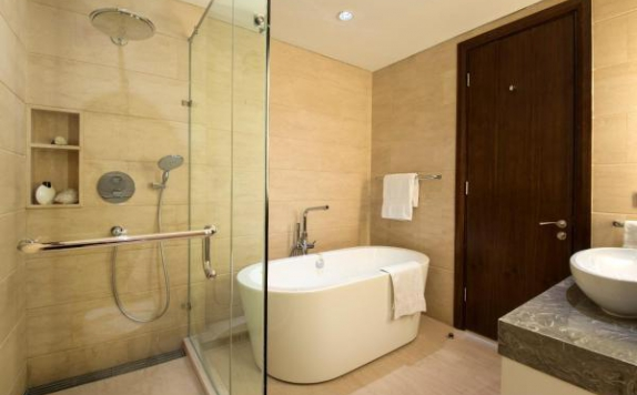 Bathroom di Oakwood Suites La Maison
