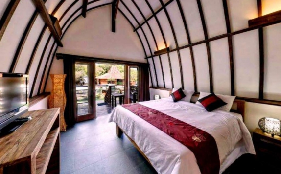 Tampilan Bedroom Hotel di Oceans 5 Dive Resort