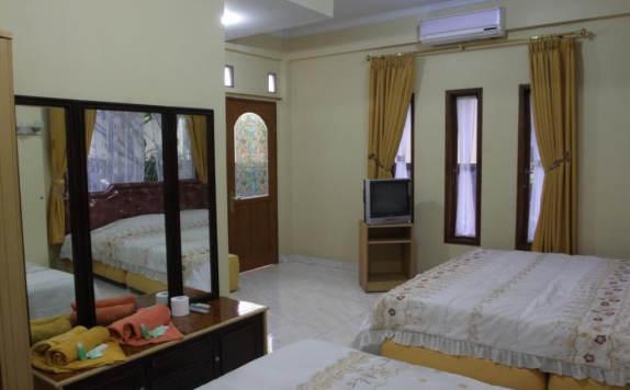 Guest Room di Orange Home's Syariah