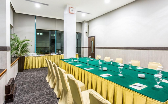 meeting room di Orchardz Jayakarta