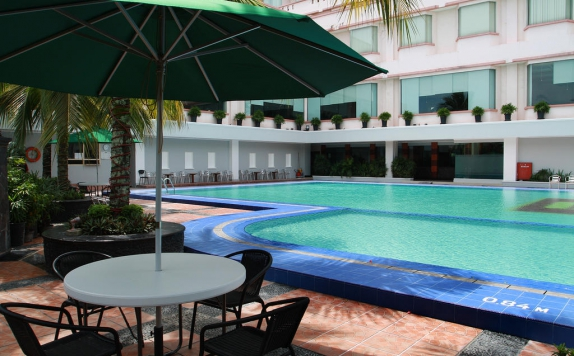 Swimming Pool di Pangeran Hotel