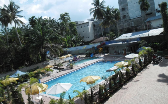 Swimming Pool di Permata Land Hotel