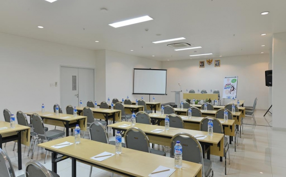 meeting room di POP Hotel Banjarmasin