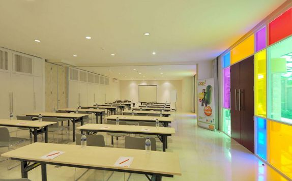 meeting room di POP Hotel Teuku Umar