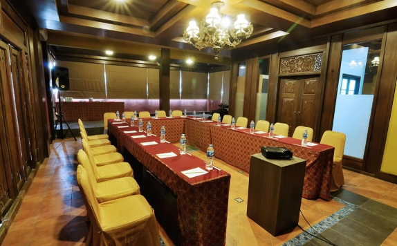 Meeting room di Pose In Hotel Solo