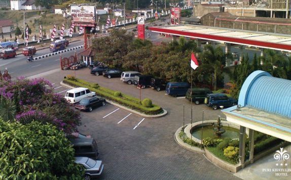 Parking Area di Puri Khatulistiwa
