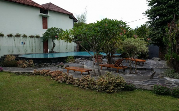 swimming pool di Puri Pangeran Hotel