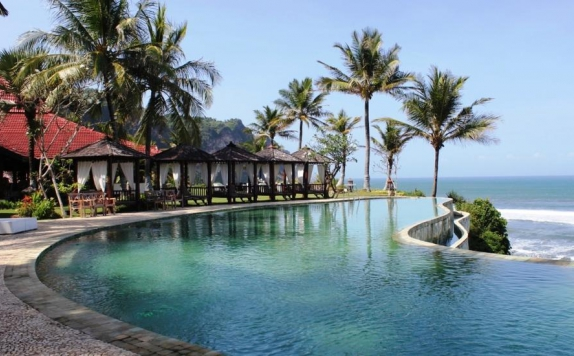 Eksterior di Queen of the South Resort Yogyakarta