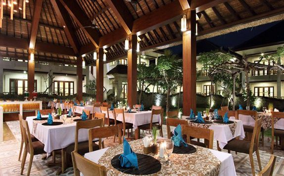 Restaurant di Radha Phala Resort and Spa