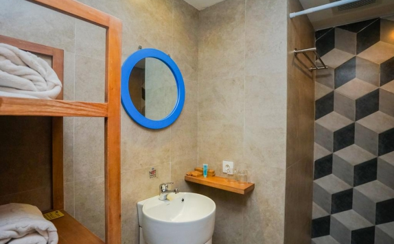 Bathroom di Radja Art and Boutique Hotel