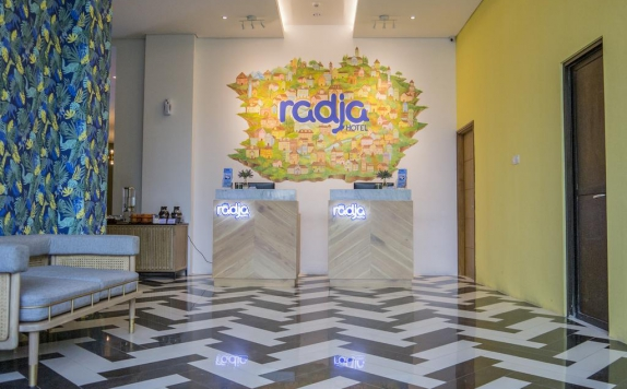 Receptionist di Radja Art and Boutique Hotel
