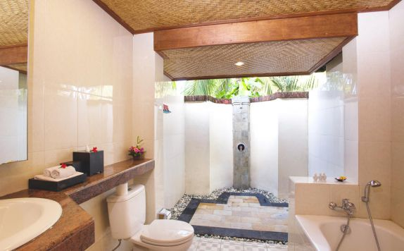 bathroom di Rama Phala Resort & Spa