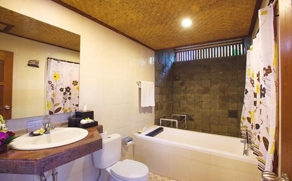 Family Bathroom di Rama Phala Resort & Spa