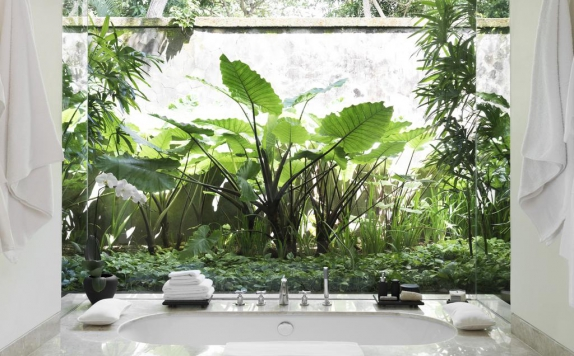 Bathroom di Revivo Wellness Resorts