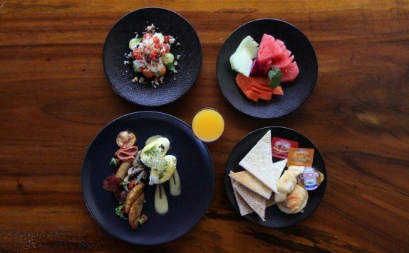 Food and Beverage Hotel di S18 Villas Bali