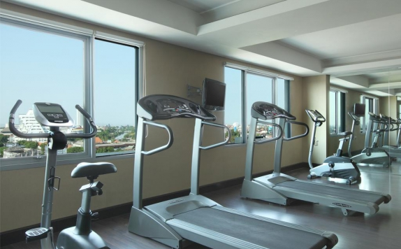 Gym and Fitness Center di Santika Pandegiling