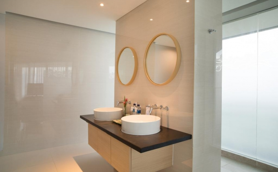 Bathroom di Santika Premiere Hotel & Resort Belitung