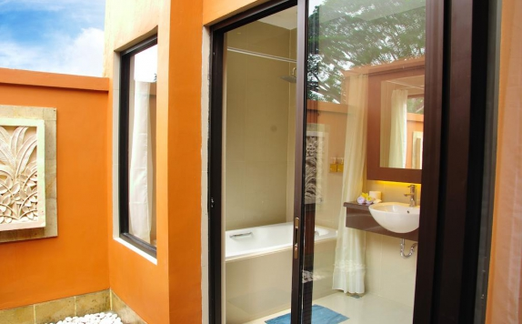 Bathroom di Sari Villa Sanur Beach
