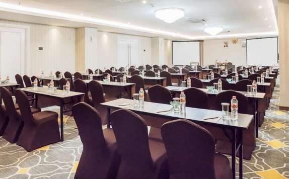 Meeting Room di Savero Hotel