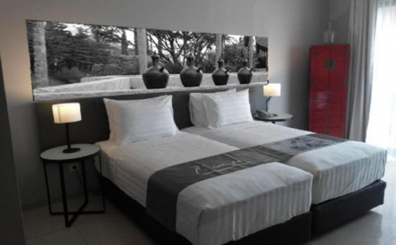 Tampilan Bedroom Hotel di Scala Bed And Beyond