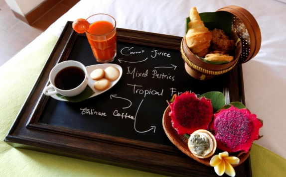 Foods and Beverage Hotel di SEDASA Surf Lodge & Lifestyle