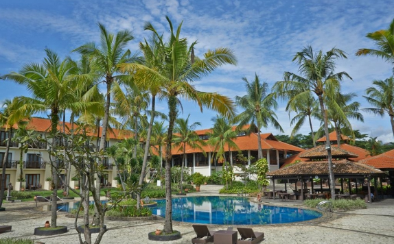Swimming Pool di Sheraton Lampung