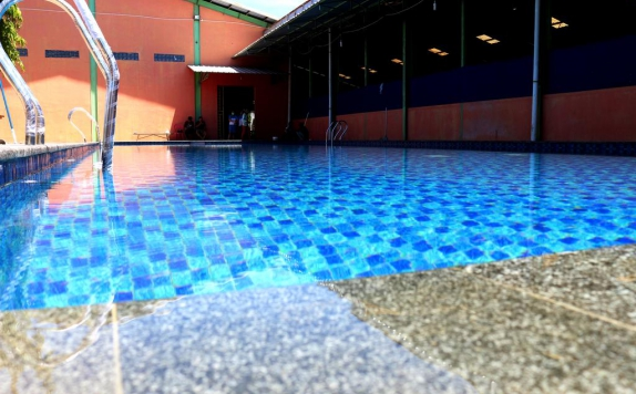 Swimming Pool di Sinar Sport Hotel