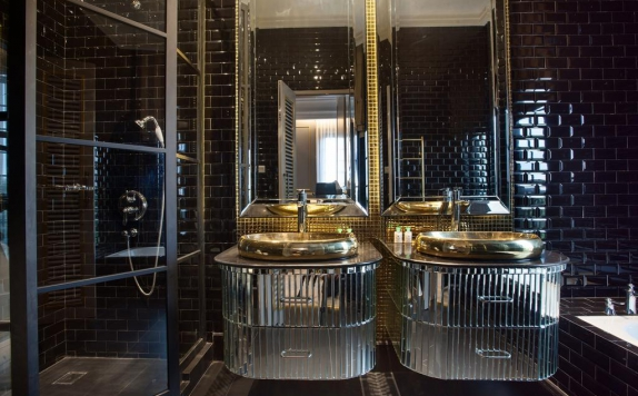 Bathroom di Sofia Boutique Residence