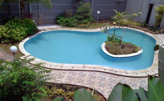 Swimming Pool di Sofyan Inn Altama Pandeglang