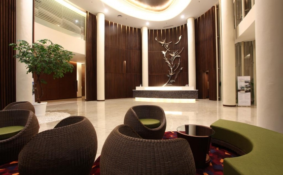 Lobby di Soll Marina Hotel & Conference Center Bangka