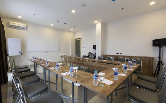 Meeting Room di Sparks Hotel Sukabumi
