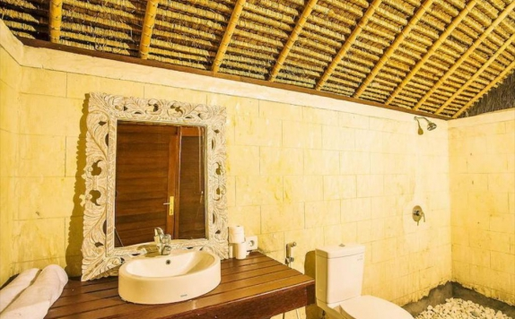 Bathroom di Sukanusa Luxury Huts