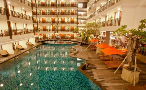 swimming pool di Sun Island Kuta
