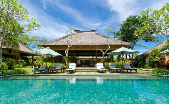 Swimming Pool di Surya Damai Villa